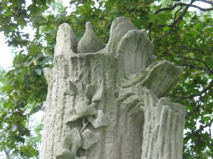 one of many Victorian tree monuments